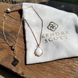 Kendra Scott necklace 💖
